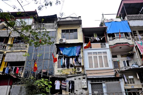 Intimacy under the Wires, Laundry, Travel, Vietnam, Hanoi, Sapa, Saigon, Ha lomh bay